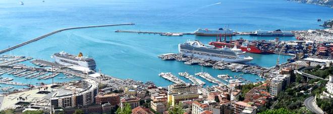 Salerno, sequestrate nel porto oltre 300 tonnellate di rifiuti