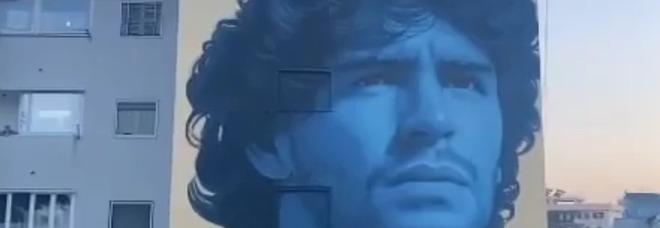 Maradona, ecco un altro murales: omaggio sui muri di Frattamaggiore