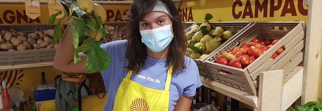 Dai tessuti al corallo, dai limoni ai pomodorini: al mercato di Fuorigrotta il Grand Tour delle eccellenze