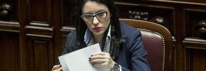 Virus Scuola, Azzolina: «Niente 6 politico, lo studente potrà essere bocciato»