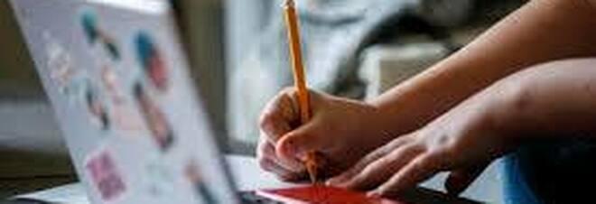 Bambina di 8 anni scopre un trucco per simulare problema a Zoom e saltare le lezioni a distanza