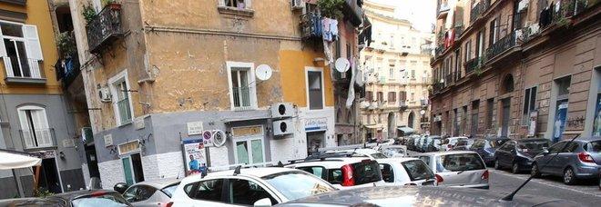 Via Sedile Di Porto 51.Napoli Il Racket Della Sosta Espulsi 8 Parcheggiatori Abusivi Il