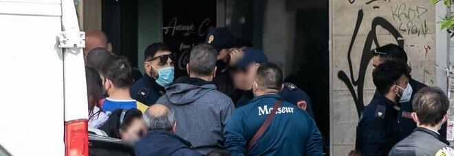 Roma, trovato impiccato in un bar in via Tiburtina: ipotesi suicidio