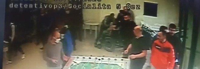 Carcere di Santa Maria Capua Vetere, nuovi video esclusivi dei pestaggi