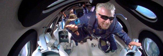 Branson nello spazio, è il turismo del futuro: «Esperienza che va resa accessibile all umanità»