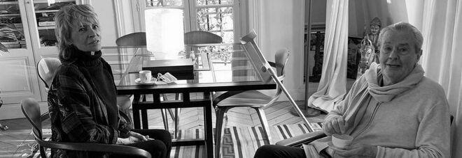 La foto postata da Anthony Delon in ricordo della mamma Nathalie con Alain Delon