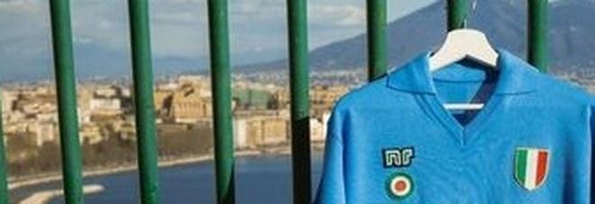 Napoli, torna la storica maglia NR: va a ruba la scudettata di Maradona