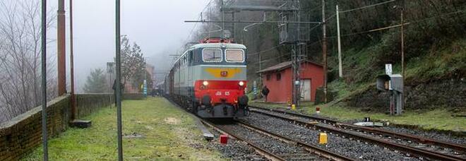 Turismo, tornano i treni storici: itinerari tematici sui binari della Transappeninica