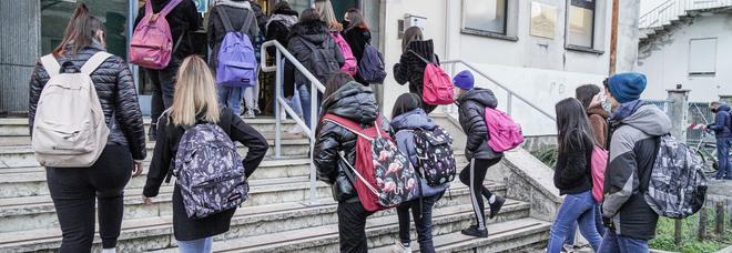 Ragazzi in uno dei rari rientri a scuola