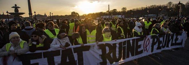 Gilet Gialli, la protesta continua: 150 blocchi su autostrade regionali