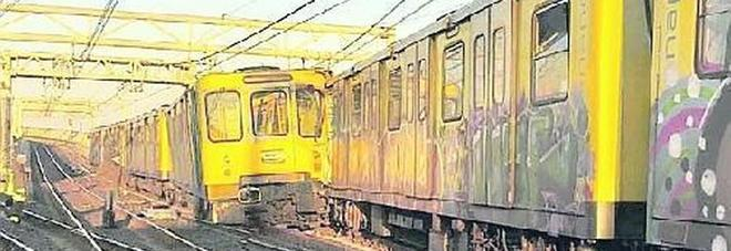 Incidente in metropolitana a Napoli, il macchinista indagato sospeso dall'Anm