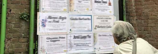 Polla, troppe affissioni funebri, il Comune ordina di rimpicciolire i manifesti