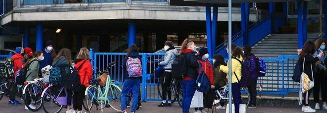 Roma, scuole: «Tamponi a chi deve fare la maturità», ecco il piano per tracciare gli studenti