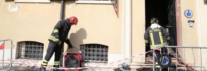 Modena, incendio in sede vigili urbani: due morti e diversi feriti