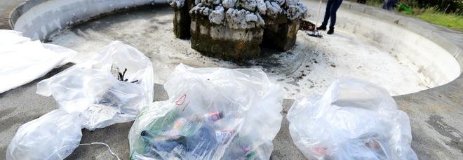 Napoli, studenti e volontari ripuliscono l'area verde di Capodimonte: «Tutti insieme abbiamo lavorato per la città»