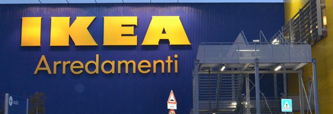 Bimba di 10 anni rischia di morire soffocata dalla mozzarella all'Ikea: il personale la salva