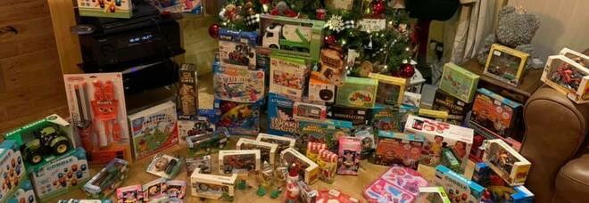 Imprenditore acquista tutti i giocattoli di un negozio per regalarli ai bambini in questo diverso Natale