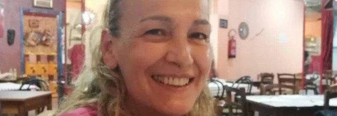 Uccide la moglie a coltellate e chiama i carabinieri: l'uomo soffriva di depressione