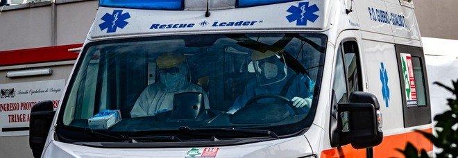 Moto sotto un camion, un morto a Gubbio