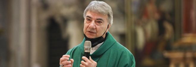 Napoli, l'arcivescovo Battaglia ai fedeli: «Coraggio! Contro ogni incertezza»