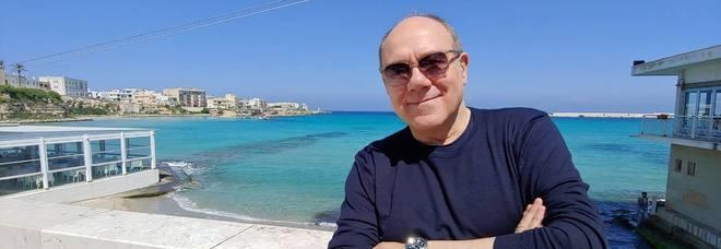 Verdone sui luoghi del nuovo film: il post dal lungomare di Otranto