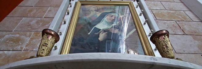 Napoli, la Madonna del boss sanguinario: ecco i quadri regalati da Nuvoletta alla chiesa
