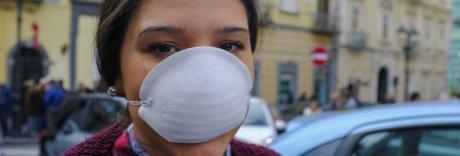 La protesta di Torre del Greco: in piazza con le mascherine