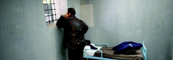Svolta nel regime di carcere duro: il figlio di 6 anni è autistico, boss di camorra al 41-bis può vedere moglie e bambino