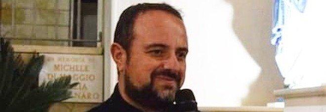 «Venga in chiesa solo chi è vaccinato o negativo», la proposta del parroco di Bernalda scatena le polemiche