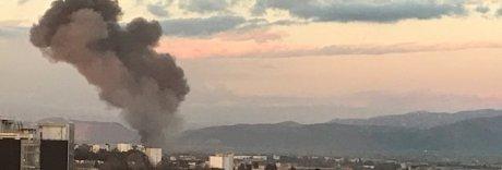 Napoli, rogo sulla Circumvallazione: in fiamme una sala ricevimenti