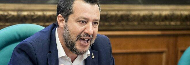 Vaccino per docenti e bambini, Salvini: «Non scherziamo, le terapie intensive sono vuote»