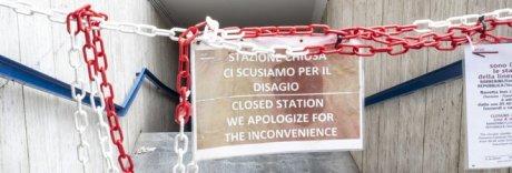Guasti alle scale mobili della metro: «Minacce per firmare i collaudi»