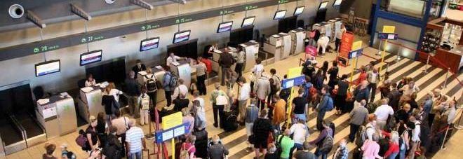 Nuova tassa per chi prende l'aereo: spunta l'emendamento al decreto fiscale