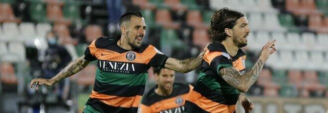 Serie B, semifinale d'andata: Venezia-Lecce 1-0, gol di Forte