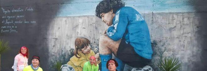 Maradona, l'amore dei runners: di corsa alla scoperta dei murales
