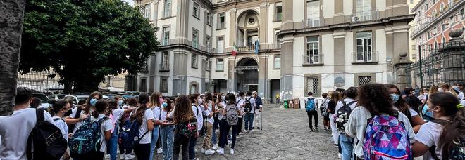 Tamponi agli studenti, a Napoli il progetto pilota non decolla