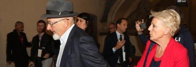 Fatture false, i genitori di Renzi assenti al processo rinunciano a essere esaminati