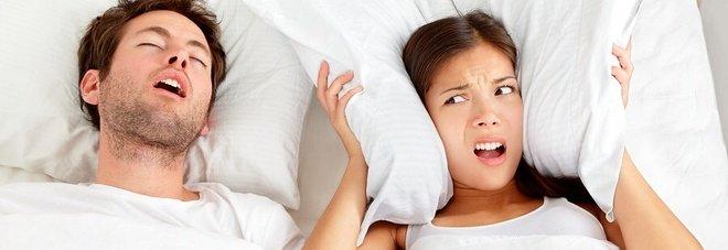 Sonno, stop a fumo, alcol e sovrappeso per evitare apnee