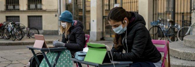 Scuole chiuse in Campania: «Ipotesi 14 gennaio per il ritorno in classe»