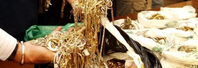 Napoli, compro oro al setaccio: fioccano sanzioni e denunce