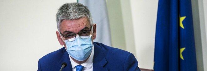 Covid, Brusaferro: «L'Italia si sta decolorando come altri paesi europei»