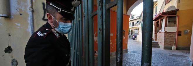 Omicidio a Napoli, Patrizio ucciso per una lite condominiale: «Via l'amaca dal terrazzo»