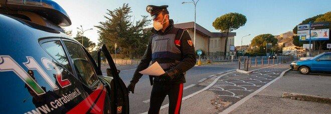 Forza posto di blocco, ferito carabiniere: arrestato dopo un breve inseguimento