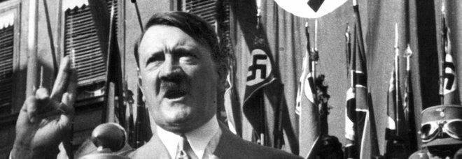 In vendita online mascherine, magliette e altri gadget con la faccia di Hitler: chiuso sito di e-commerce