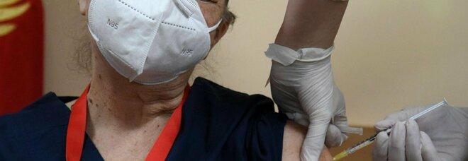 Vaccini, in Romania 4.000 positivi al Covid dopo la prima dose e 446 dopo la seconda