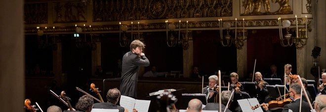 Valčuha dirige l'orchestra del Teatro di San Carlo: in programma Martucci e Čajkovskij