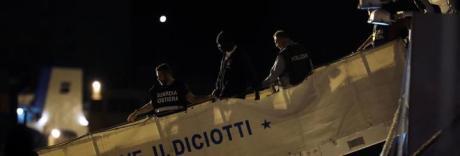 Aggressione a equipaggio: fermati due migranti sbarcati dalla Diciotti