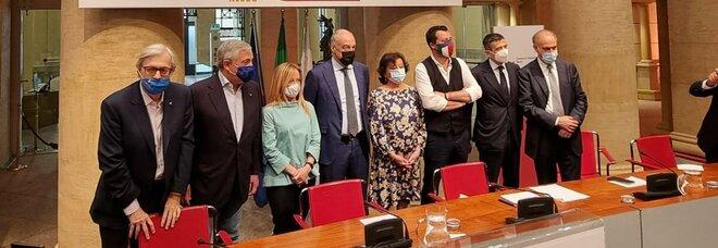 Roma, Michetti: «Onorato e lusingato», è il giorno della presentazione del candidato del centrodestra