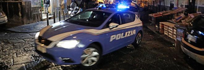 Napoli, controlli nell'area mercatale: maxi sequestro di merce contraffatta