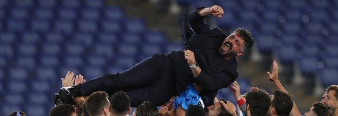 Napoli vola ed è già Ringhio style: Gattuso tra tute, shirt e scaramanzia